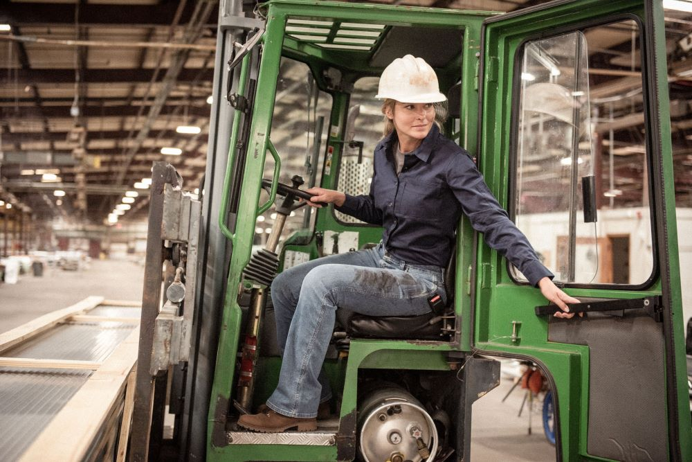 Wrangler updates Riggs Workwear line to include women's performance denim with four-way stretch in inclusive sizes 0-20 and XS-3XL.