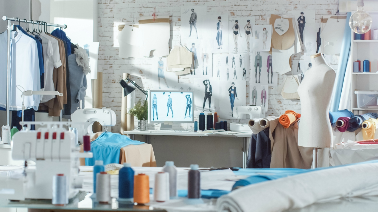 Repurposing the CFDA/Vogue Fashion Fund as A Common Thread launch, grants will aid retail and apparel firms impacted by the coronavirus.