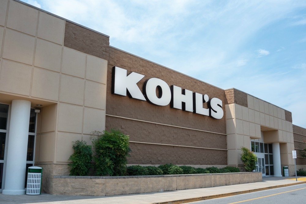 The Korea Federation of Textile Industries has called on Kohl's to reverse its decision to cancel all orders of new apparel products.