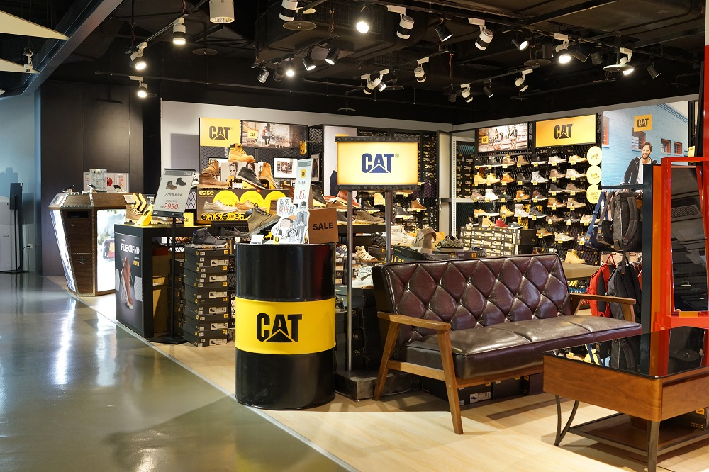 Cat Footwear named Chip Coe as global brand president and WTO director-general Roberto Azevêdo said he is stepping down early.