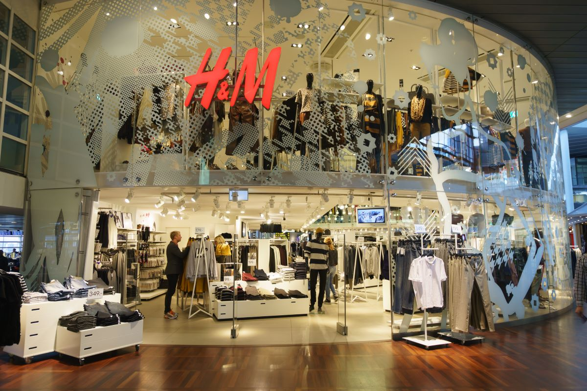 H&M earns top marks for sourcing preferred cotton in Textile Exchange's Material Change Insight Report showing progress on circularity.