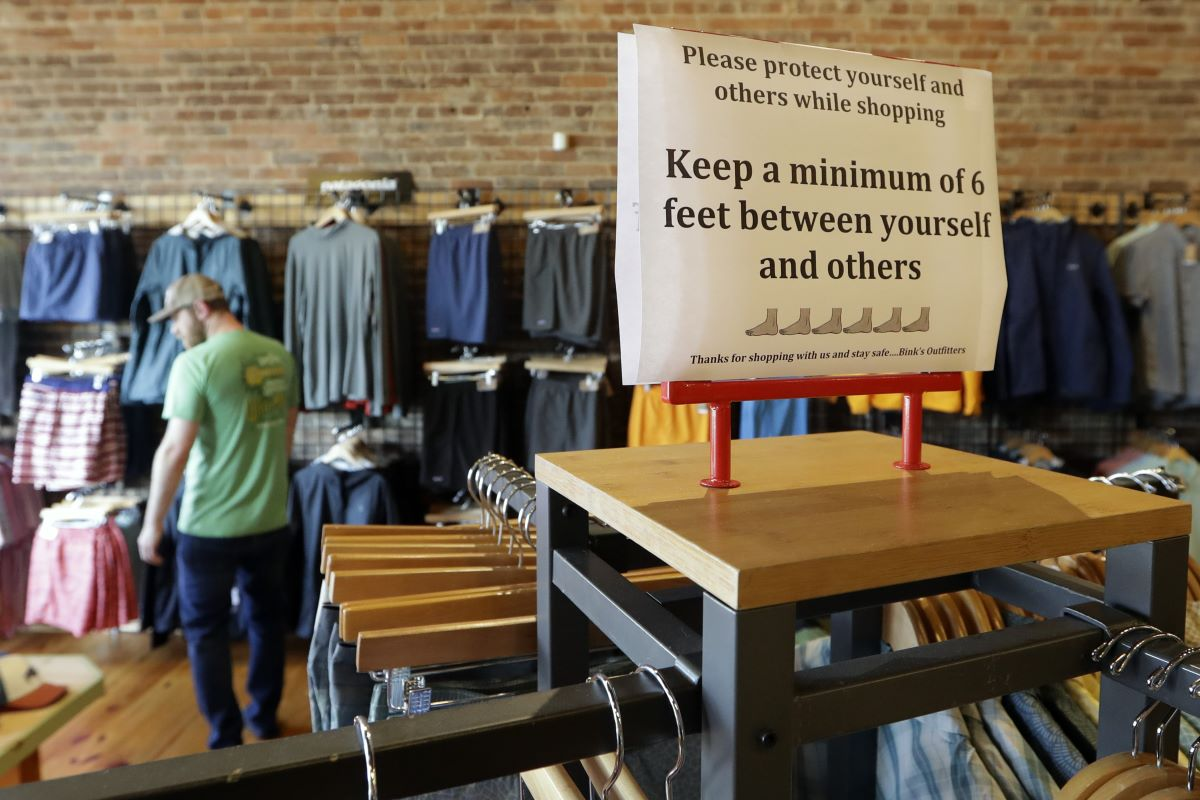 Just 17 percent of shoppers say they already feel completely comfortable shopping in stores amid COVID-19, according to a survey from Fast.