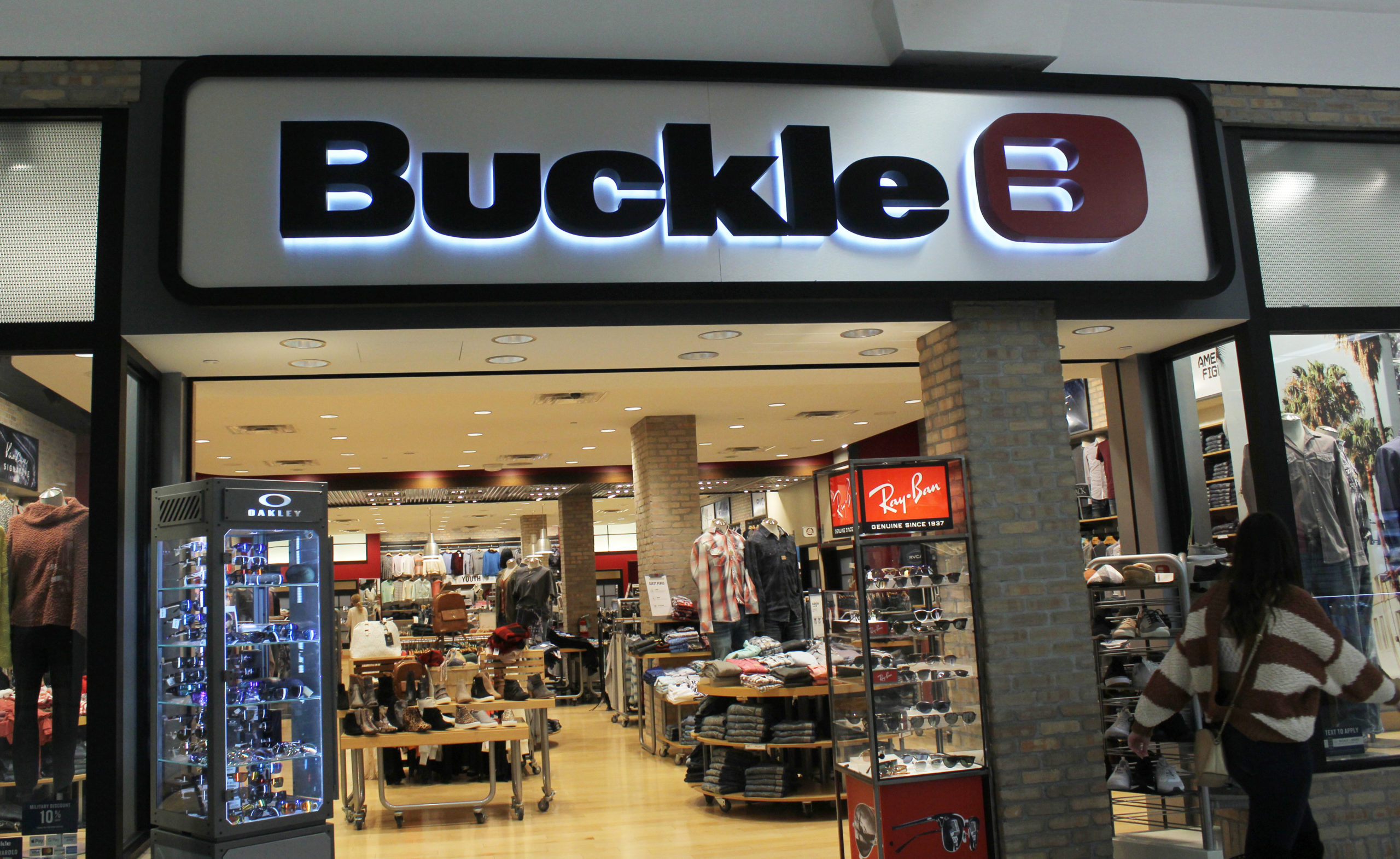 Buckle's Q1 sales dropped 42.7 percent amid coronavirus store closures while prices for men's and women's denim both decreased slightly.