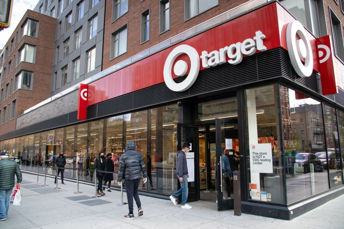 Target's apparel sales rose late in April as consumers broadened spending to include discretionary purchases, CEO Brian Cornell said.
