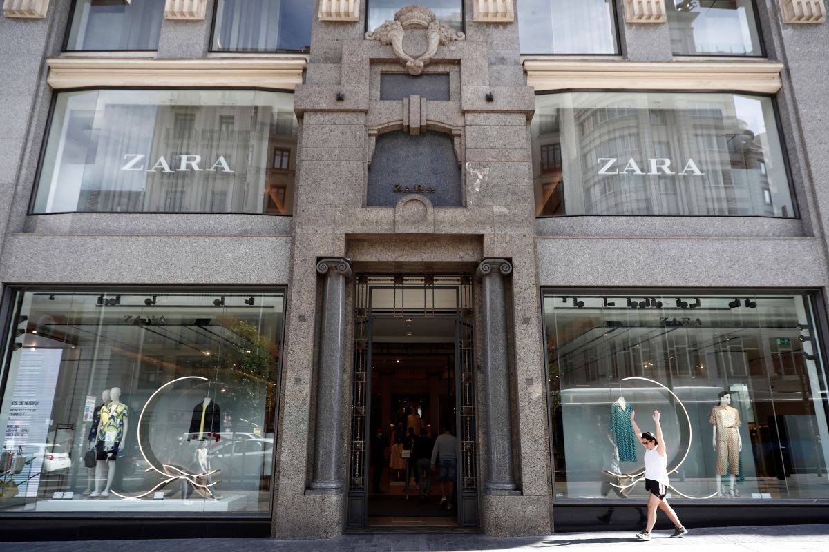 Inditex says flexible supply chain helped it pivot during COVID-19, as online sales in April rose 95 percent despite $465.5 million Q1 loss.