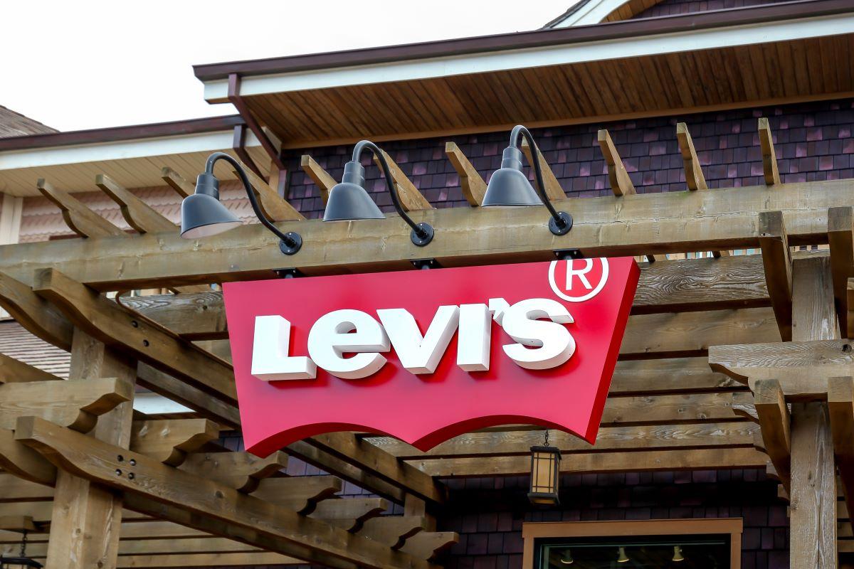 Surging coronavirus cases threaten retail's big push to reopen stores.