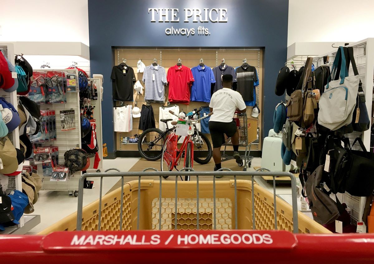 Off-price retailers like Marshalls will thrive after COVID-19, UNCS said.