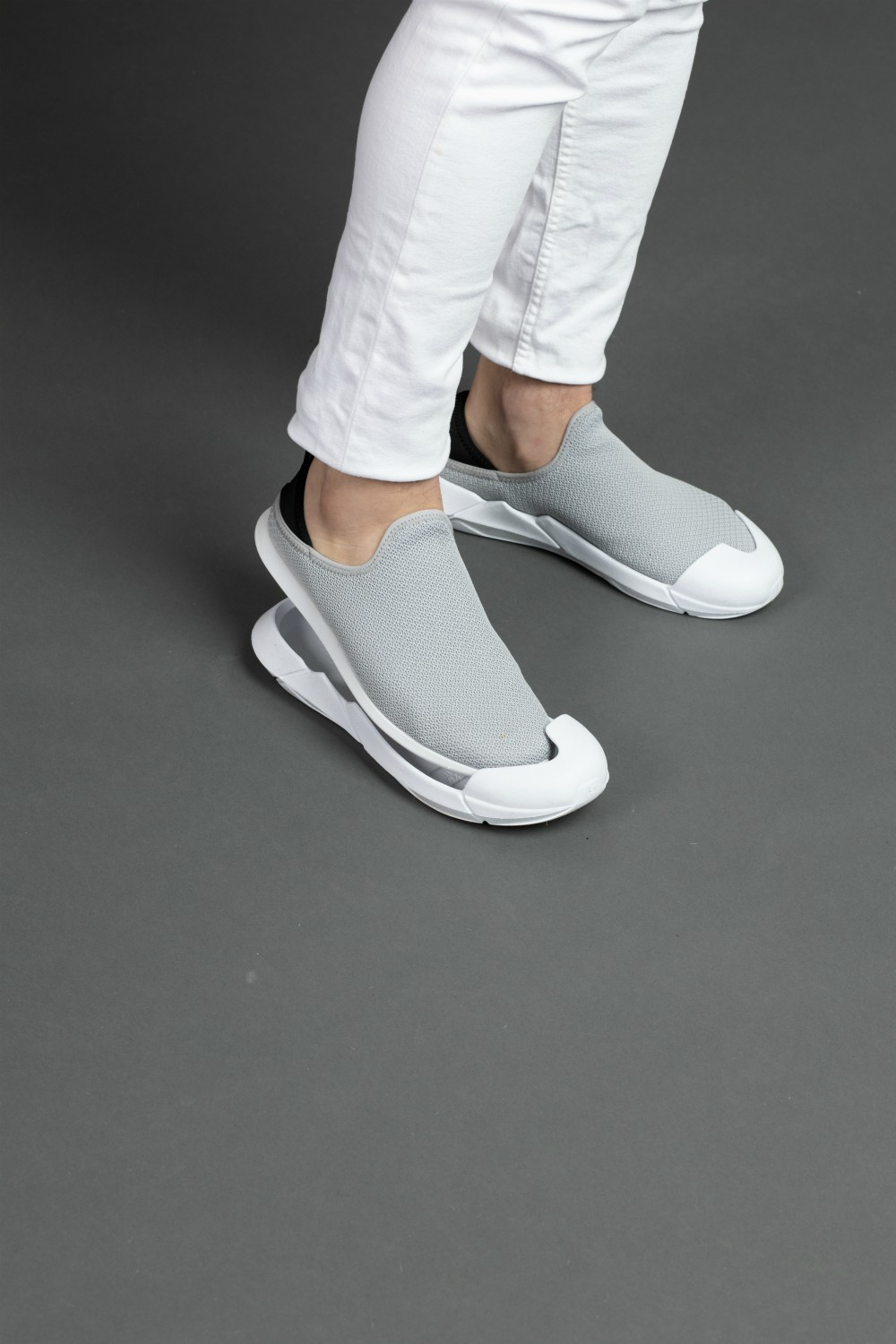 Muvez' indoor-outdoor slip-ons have a removable outsole to keep germs from entering wearers' homes.