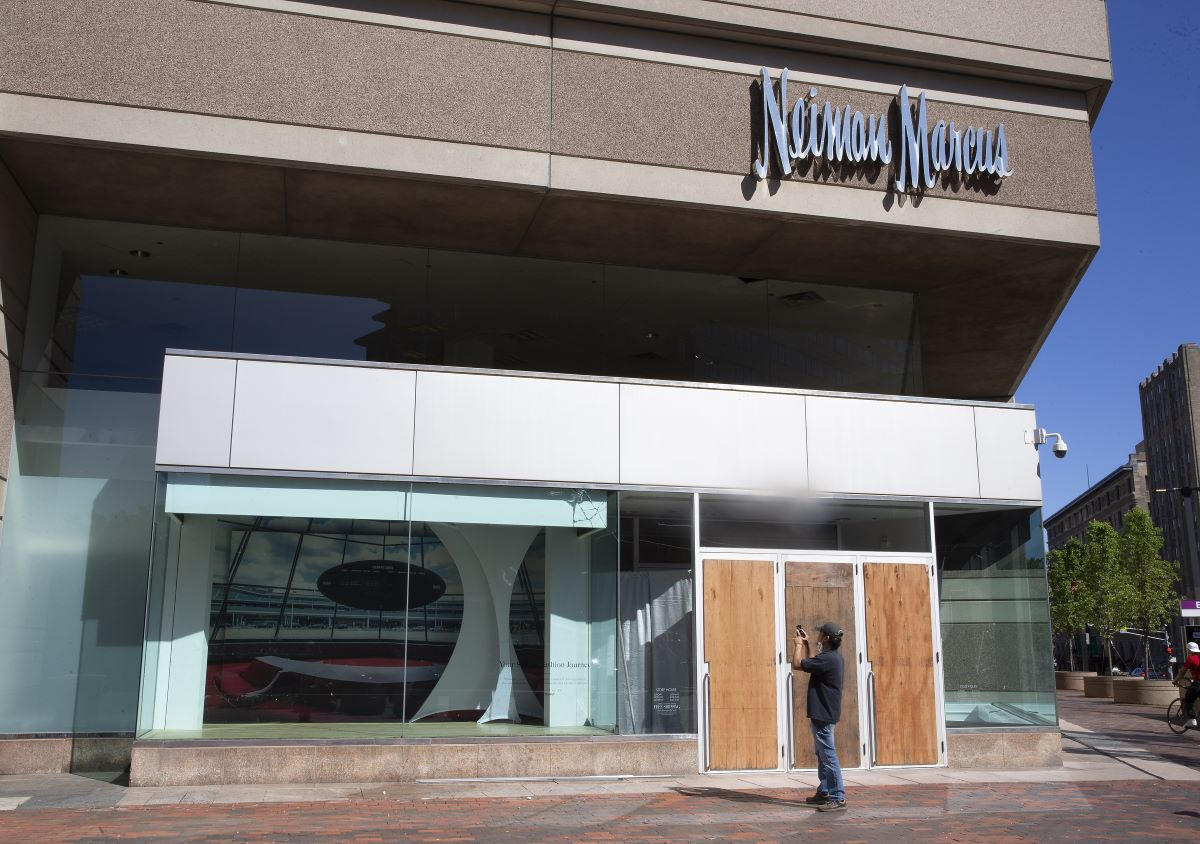 Bankrupt Neiman Marcus Group gets DIP financing approval, though creditors are scrutinizing its move to put MyTheresa out of reach.