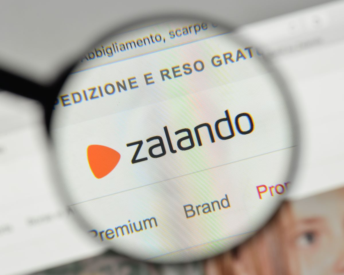 Zalando, Sustainable Apparel Coalition and Higg Co are collaborating to accelerate a global sustainability standard in the fashion industry.