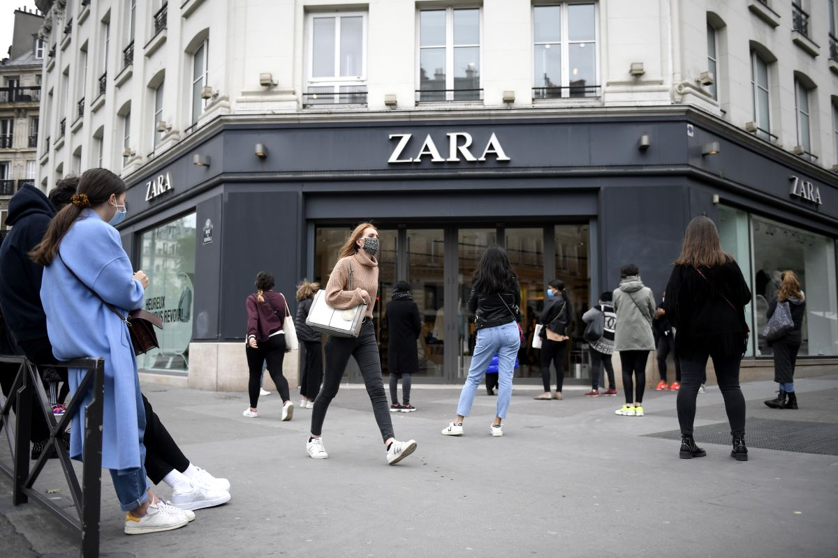 RMG Media says fashion retailers, like Zara and Diane von Furstenberg, could reap dividends by shifting their focus away from stores to DTC.