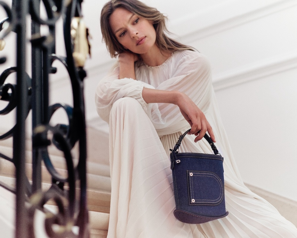 A new luxury handbag collection by Belgium leather goods brand Delvaux combines Japanese denim with fine leather.