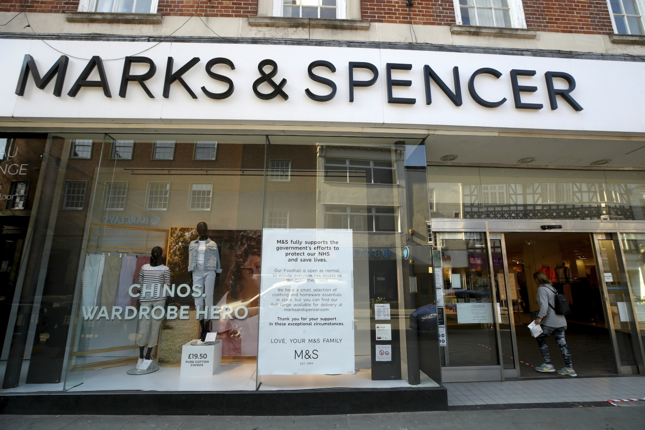 Marks and Spencer cuts 950 jobs as thousands are at risk amid expected store closures ahead, while Ted Baker reportedly cut 500 staff.