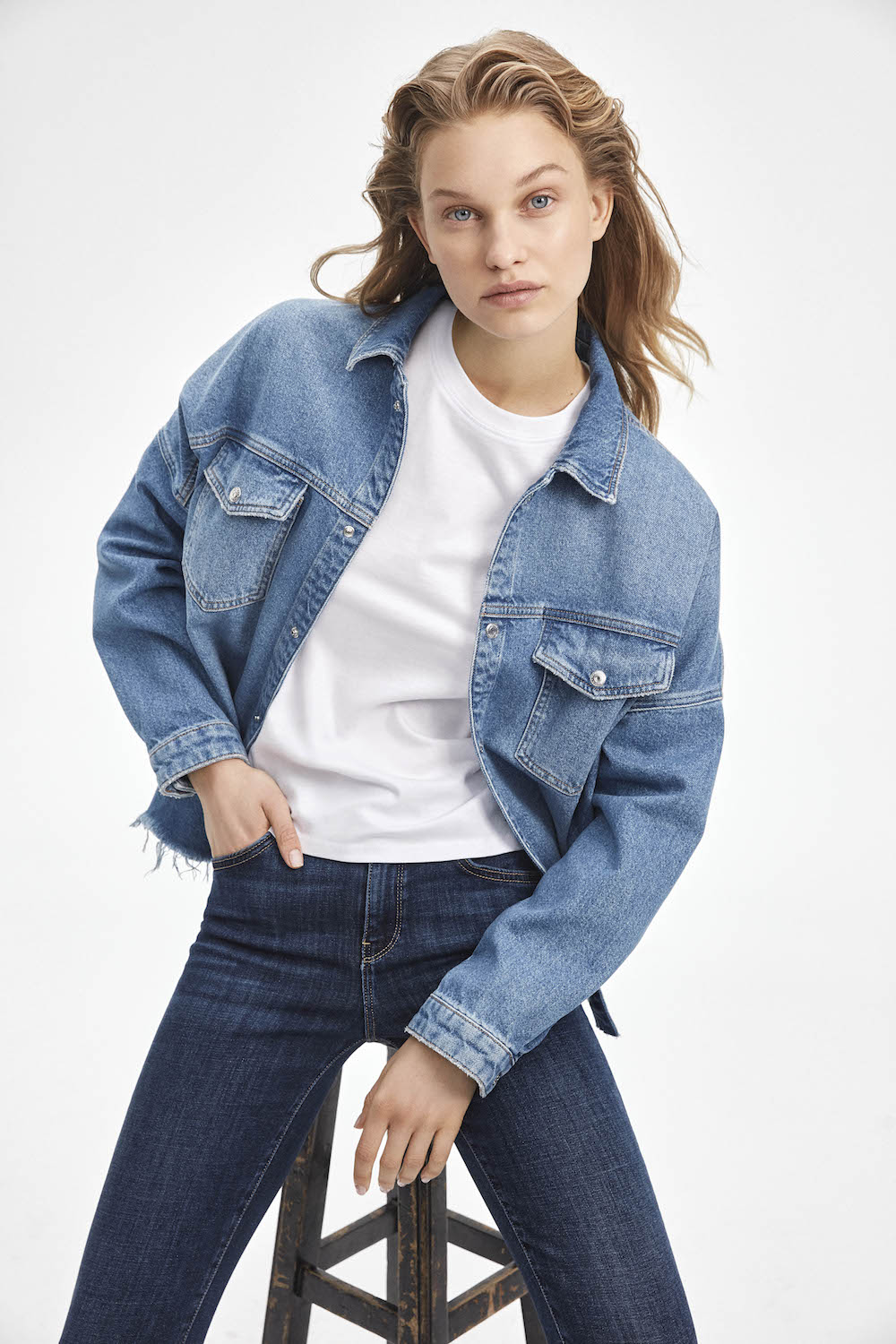 Mavi's Fall/Winter 20-21 collection features new fashion fits and sustainable fabrics developed exclusively for the premium denim brand.