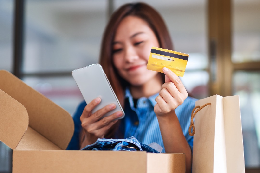 57 percent of shoppers use mobile for more than 50 percent of their e-commerce shopping, according to DaVinci Payments.