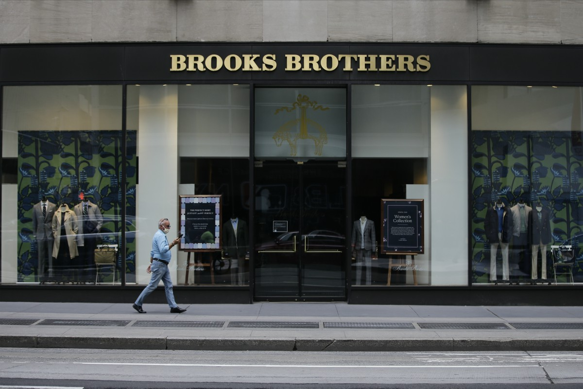 A bankruptcy court auction slated for Monday could see ABG and Simon Property Group prevail in their quest to acquire Brooks Brothers.