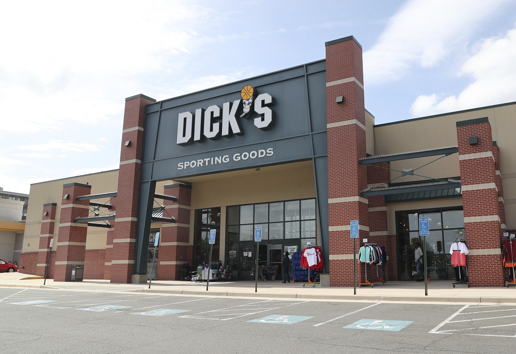 Dick's Sporting Goods saw 194 percent e-commerce growth during the second quarter, sparking 20.1 percent net sales growth to $2.71 billion.
