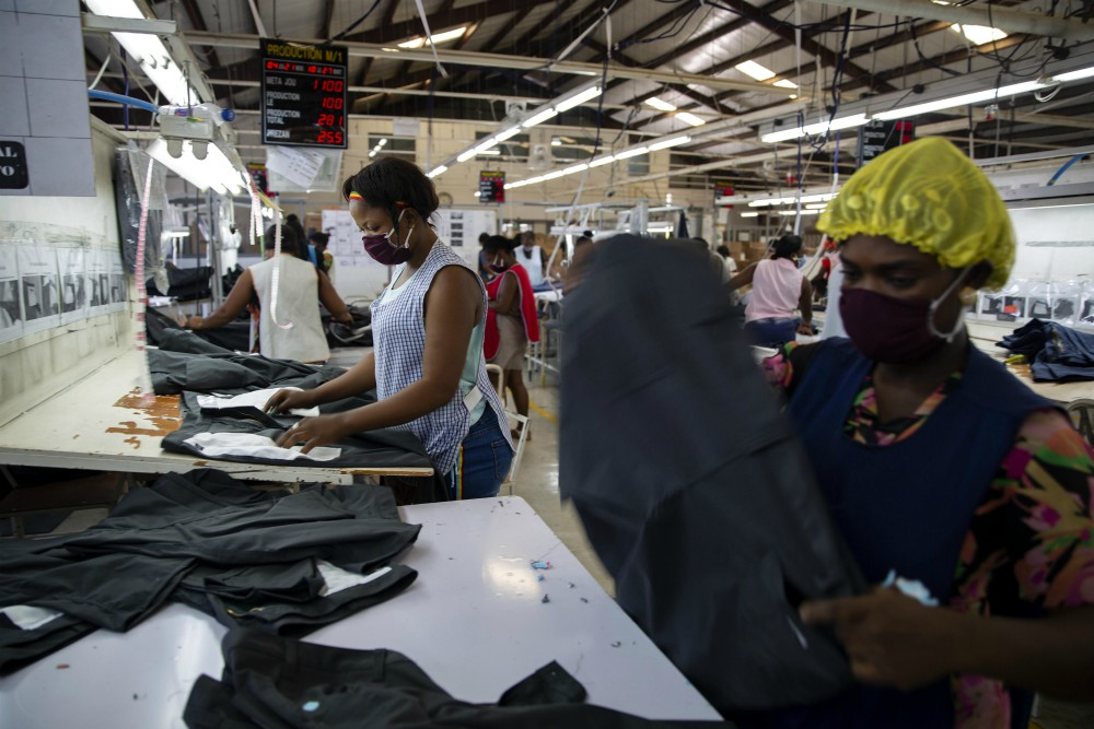 The FDRA, AAFA, CFDA, NRF and OIA urged USTR to press Congress to renew the Caribbean Basin Trade Partnership Act, which aids Haiti.