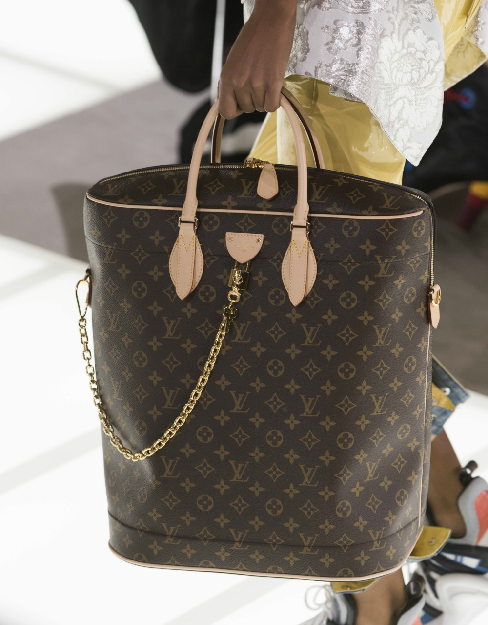 Data from fashion intelligence platform Edited shows that luxury labels are raising prices on handbags to try to recoup this year's losses.