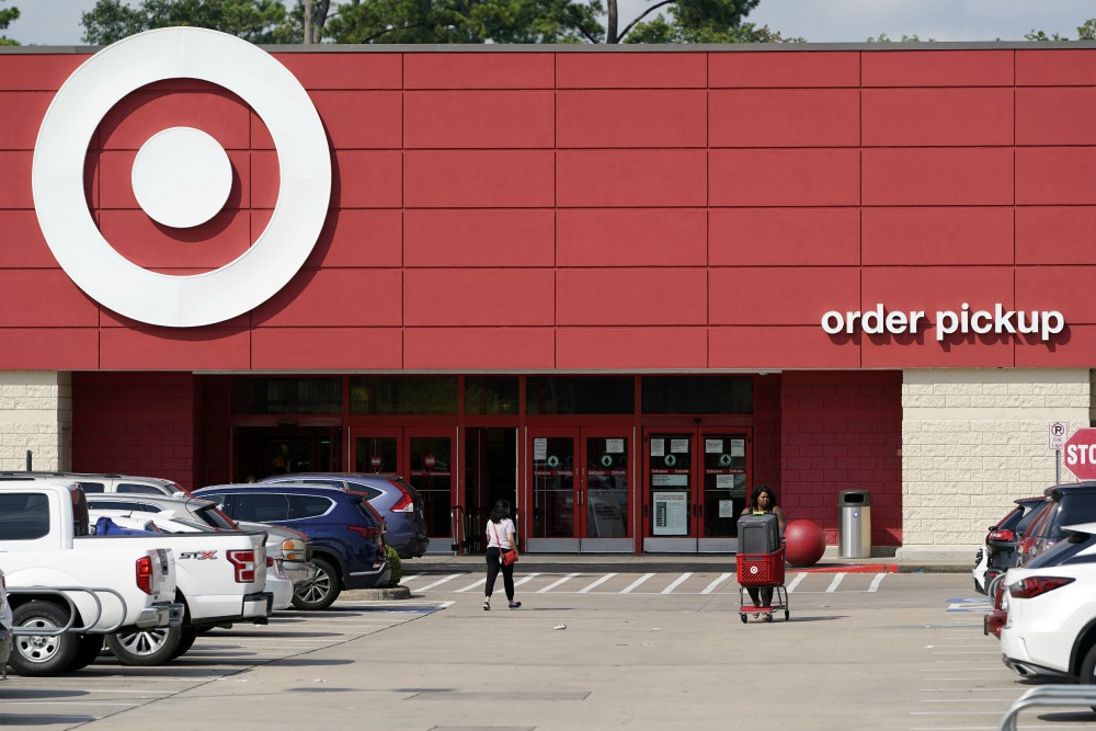 Retailers like Target are expanding omnichannel services and contactless payment to assuage consumer doubts over holiday shopping in stores.