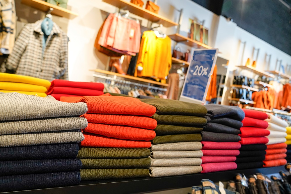 Indicating early holiday promotions and wavering consumer demand, retail apparel prices fell a seasonally adjusted 1.2 percent in October.