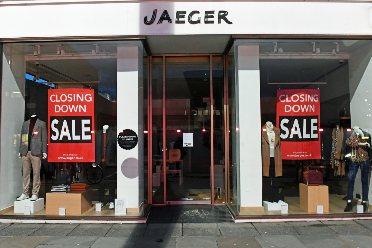 Unable to close on deals before a deadline, retailers Peacocks and Jaeger are in bankruptcy but are still in talks with possible buyers.