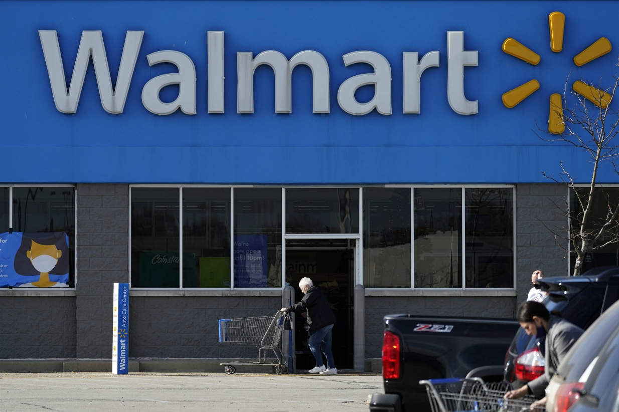 Walmart's total revenue for the quarter ended Oct. 31 rose 5.2 percent to $134.7 billion, and apparel and e-commerce stood out in a rosy Q3.