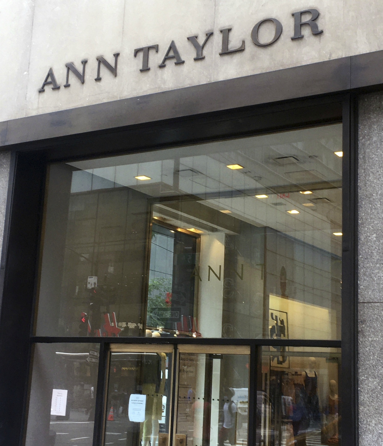Bankruptcy Judge approves Ann Taylor sale to Sycamore, along with the remaining nameplates in Ascena Retail Group's fashion portfolio.