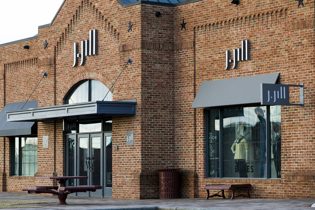 J.Jill is still taking its post-restructure lumps, as net sales at the women's apparel retailer declined 29.4 percent to $117.2 million.