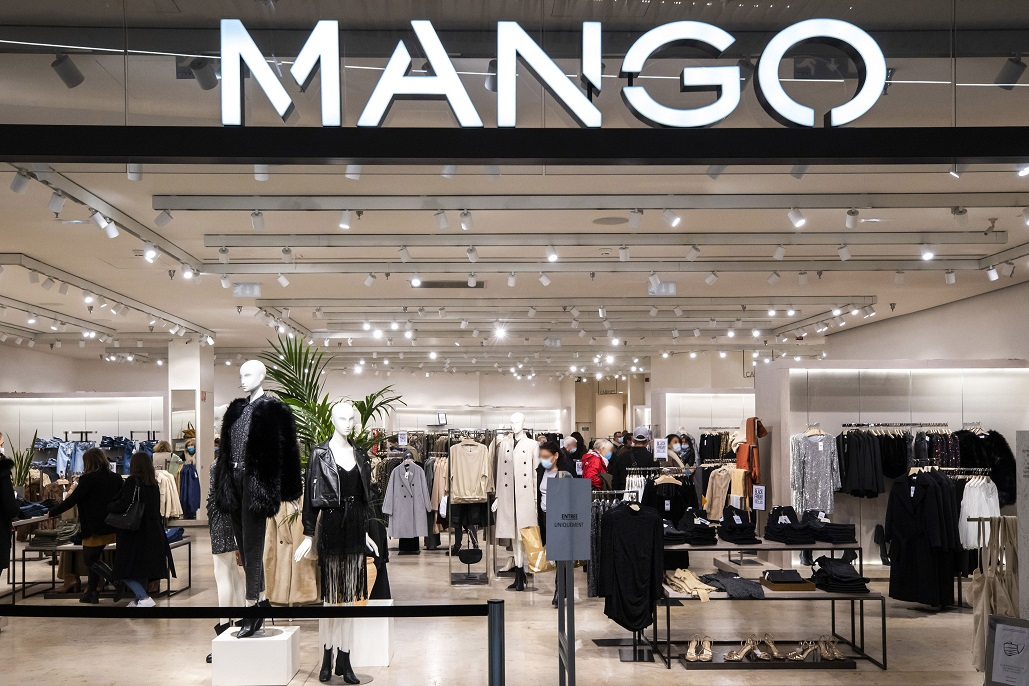 Spanish fashion retailer Mango is opening three stores in the first quarter of 2021 in three major shopping centers operated by Simon.
