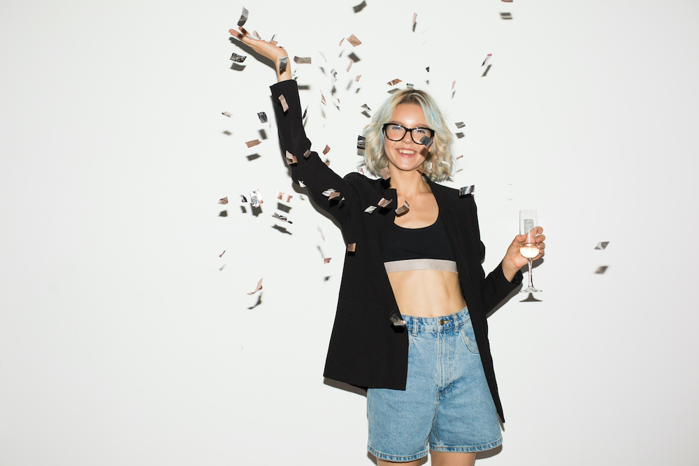 Rivet Rivet rounded up some of the best New Year's Eve denim looks that will get you in the headspace to party and ring in 2021. up some of the best New Year's Eve denim looks that will get you in the headspace to party and ring in a new year.
