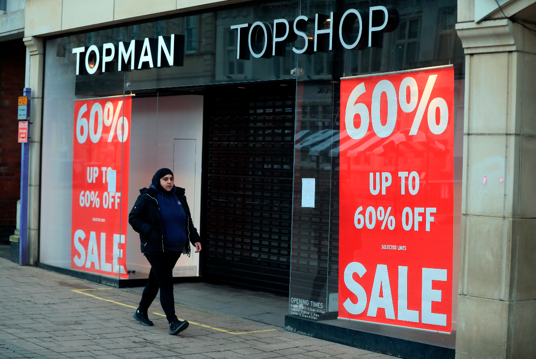 Administrators of bankrupt Topshop parent Arcadia plan to close 31 stores and shed 700 jobs as they begin reviewing bids for the company.