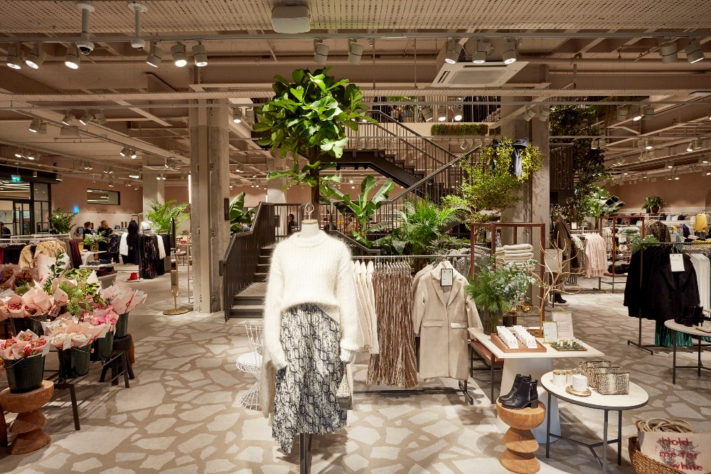 """H&M's new locations will be built according to """"circular guidelines,"""" using fixtures and building materials made from recycled or recyclable compounds."""