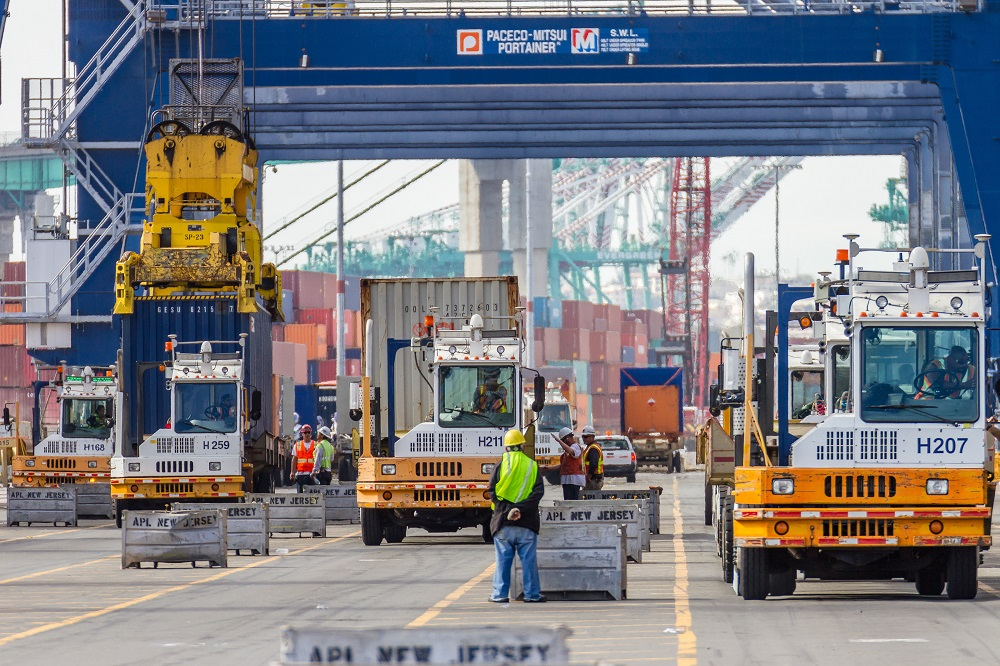 The Port of Los Angeles is launching a new incentive program to move cargo trucks faster and more efficiently through its terminals.