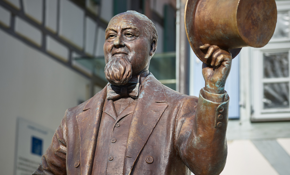 A bronze statue of Levi Strauss was recently erected just outside of the Levi Strauss Museum in the German town of Buttenheim.