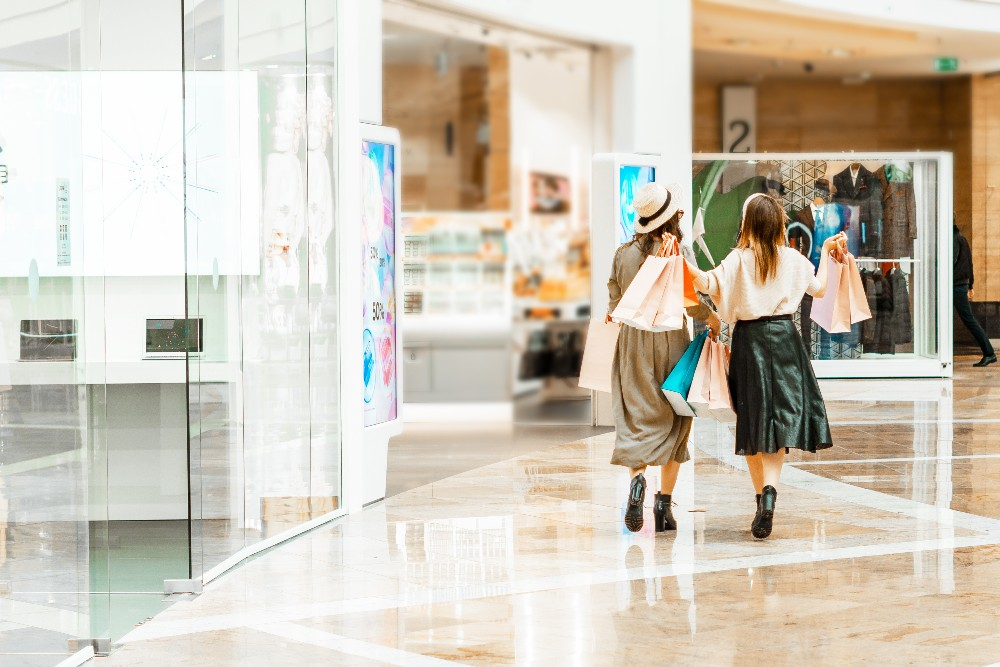 While brick-and-mortar businesses have struggled over Covid's long, anxiety-inducing reign, a new study revealed that physical retail isn't going down without a fight.
