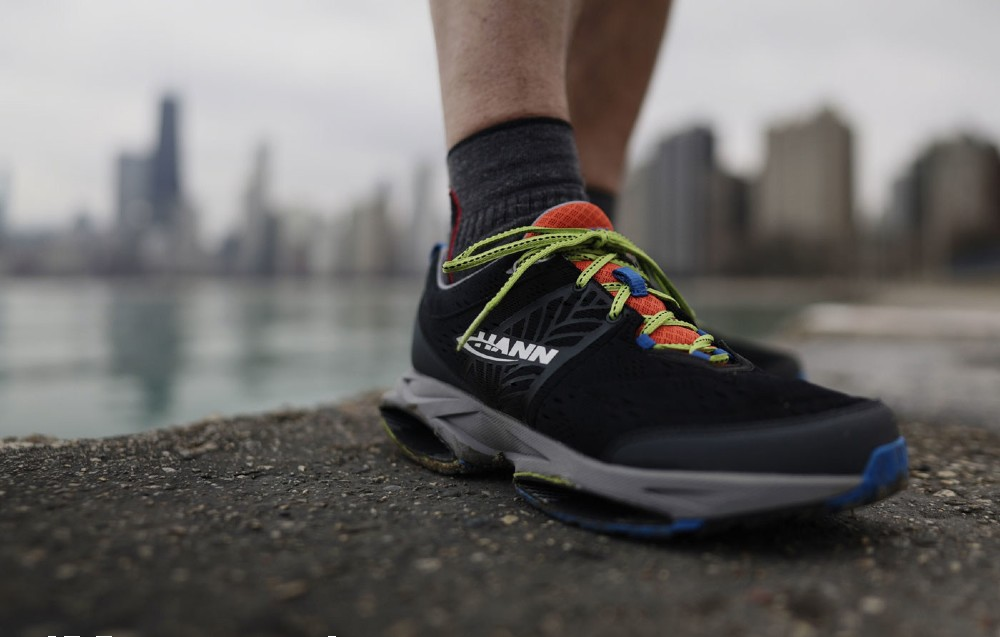 Hann Shoes, launched in Kickstarter in January, uses carbon fiber ellipses to boost performance