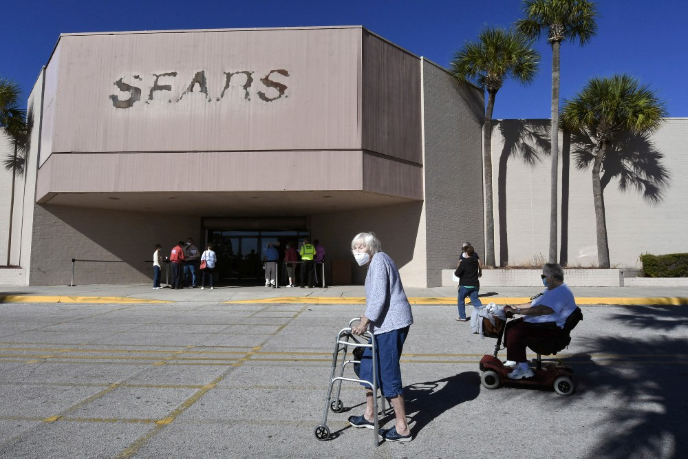 The parent company of Sears Holdings has reportedly settled a $40 million lawsuit for cancelling orders with Bangladesh garment suppliers.