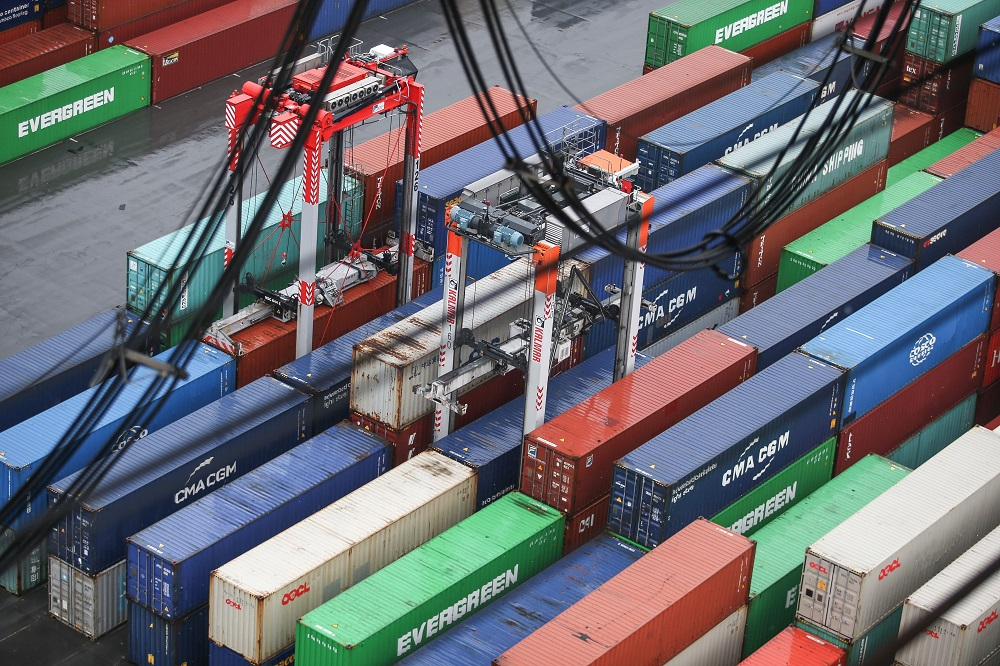 Global trade is set for a major rebound in 2021 after an historic 2020 decline, IHS Markit's senior economist said.