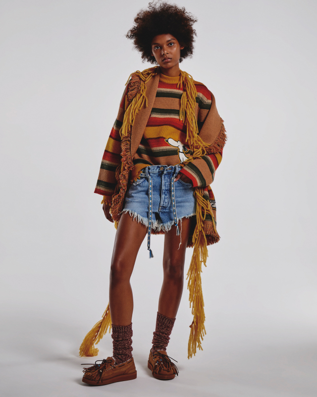 Fashion Snoops' F/W 21-22 denim themes nod to nostalgia, as well as the desire to step back into the world with statement-making fashion.