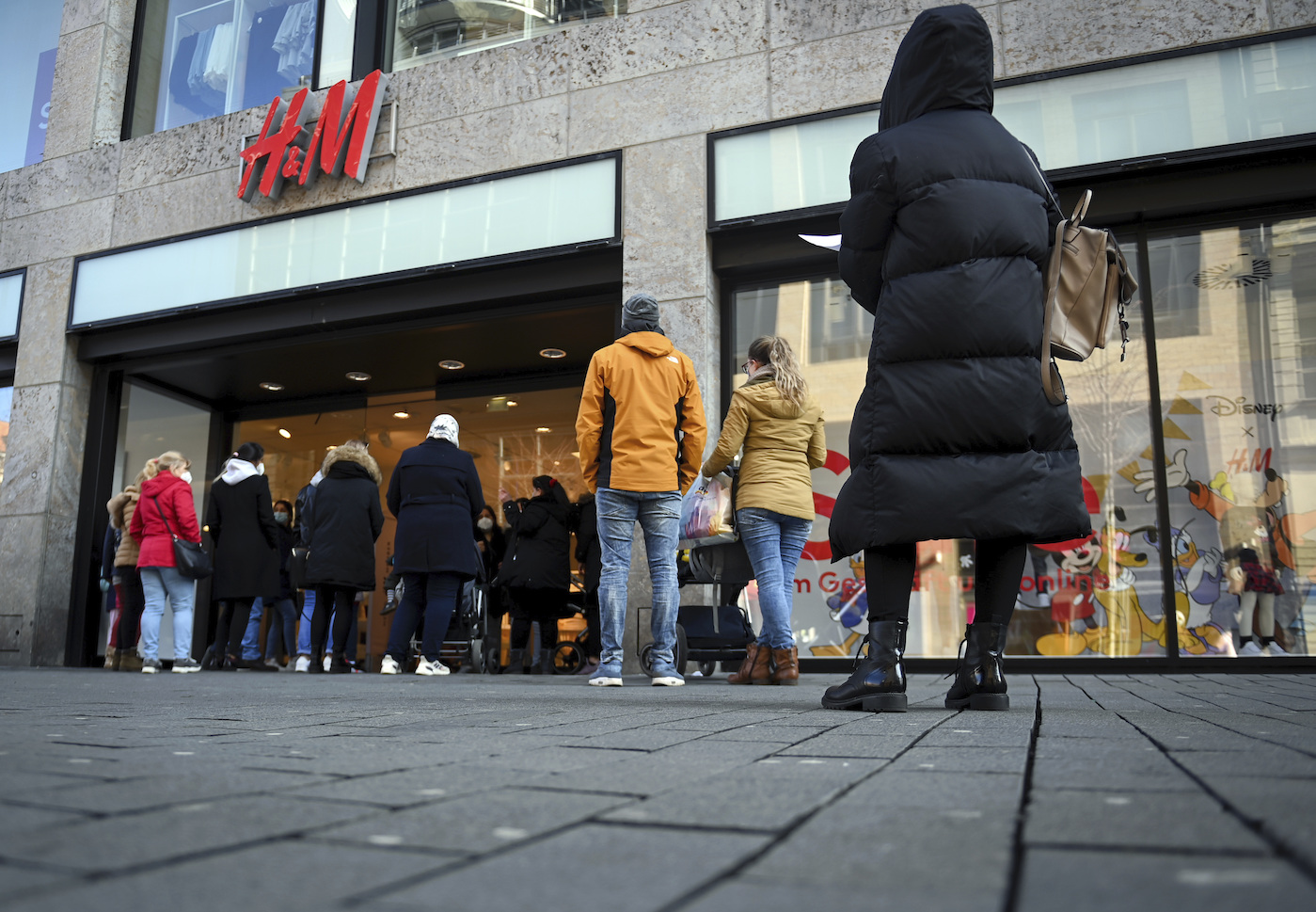 Hennes and Mauritz's quarterly net sales fell 27 percent to $4.7 billion, with 900 of its 5,000+ fashion stores reopening in the period.