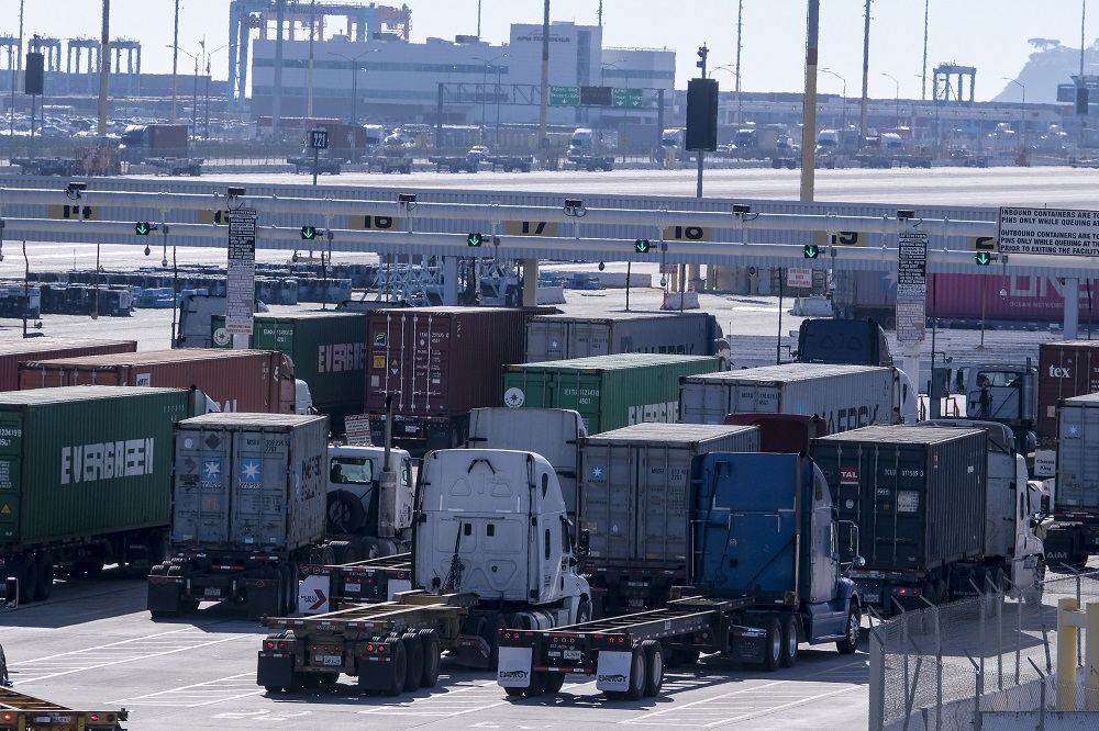 The NLRB issued a complaint Universal Logistics Holdings in what the Teamsters said was landmark victory for the rights of truck drivers.