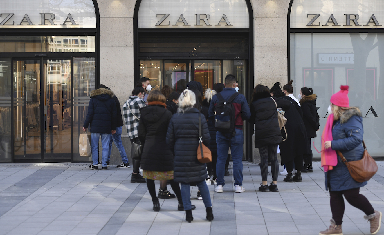 Zara parent Inditex generated a net profit of $1.3 billion for 2020, carried largely by second-half net income of $1.55 billion.
