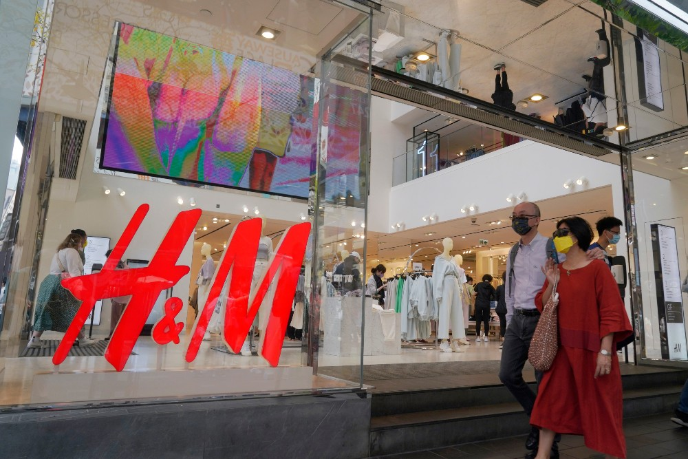 After H&M addressed the uproar over Xinjiang sourcing, Chinese social media consumers seemed to reject the retailer's olive branch.