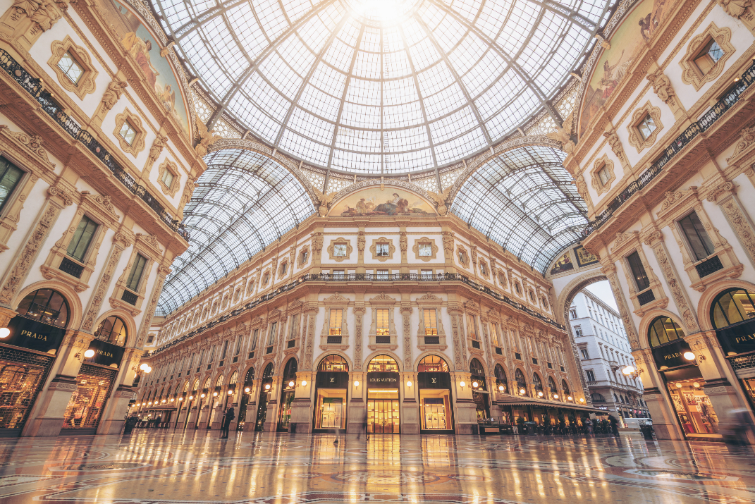 British tourists and international shoppers in search of tax-free deals could give European retailers a sales benefit of 2.60 billion euros.