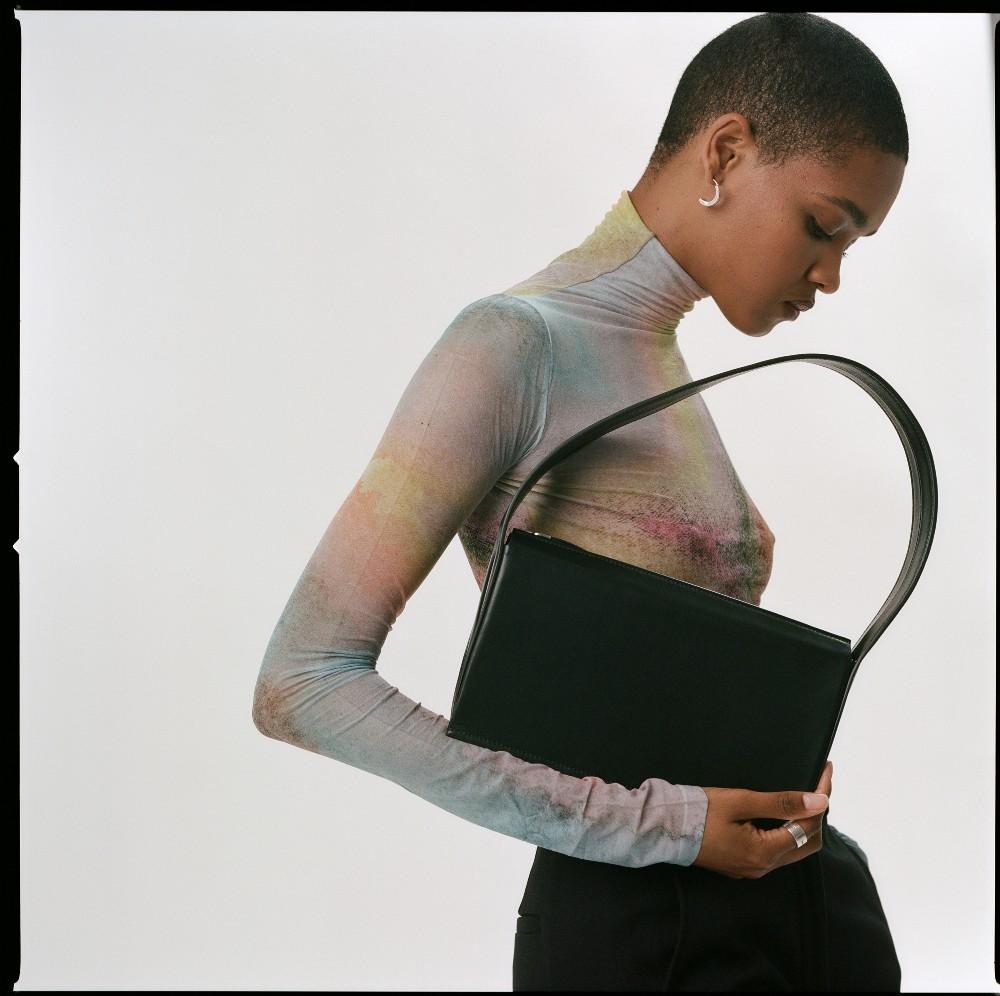 Advene has launched its second handbag style, the Edge Bag.