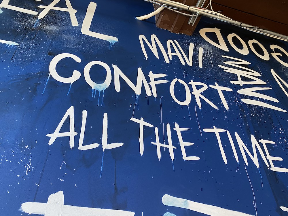 Denim brand Mavi tapped artist Rose Cantin to paint a mural in its Montreal showroom to celebrate its 30th anniversary.