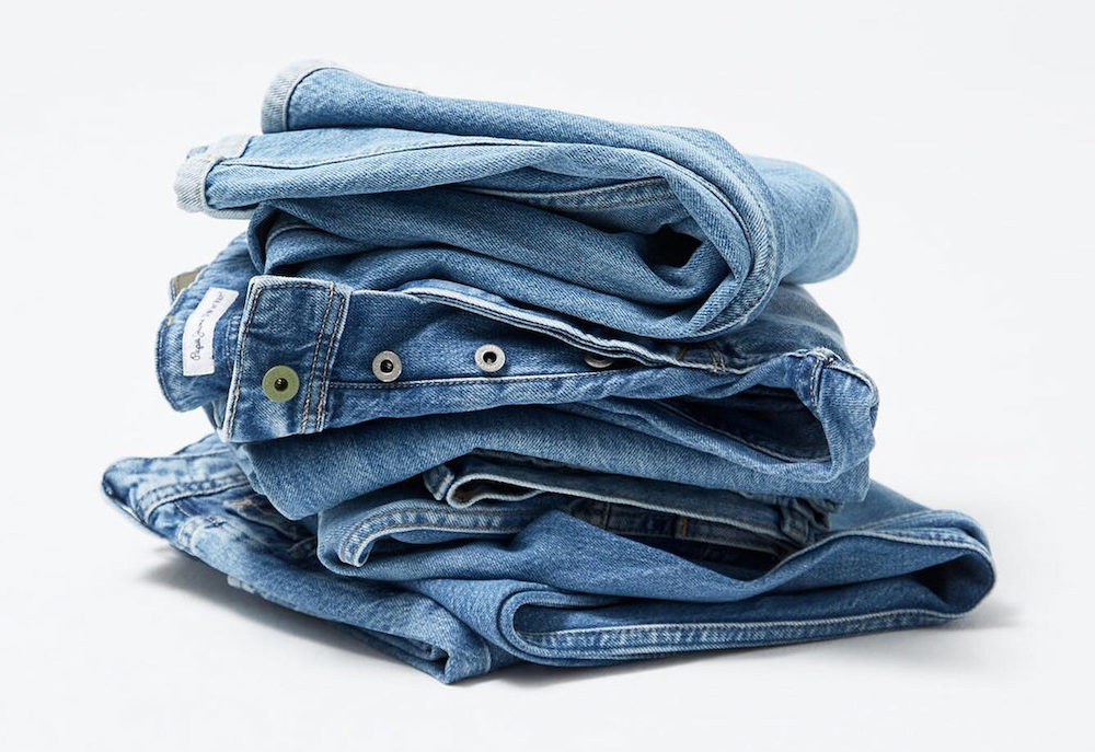 Wiser Tech debuted its first hardware, Wox, which delivers an AI-powered, cloud-based sustainable denim bleaching process.