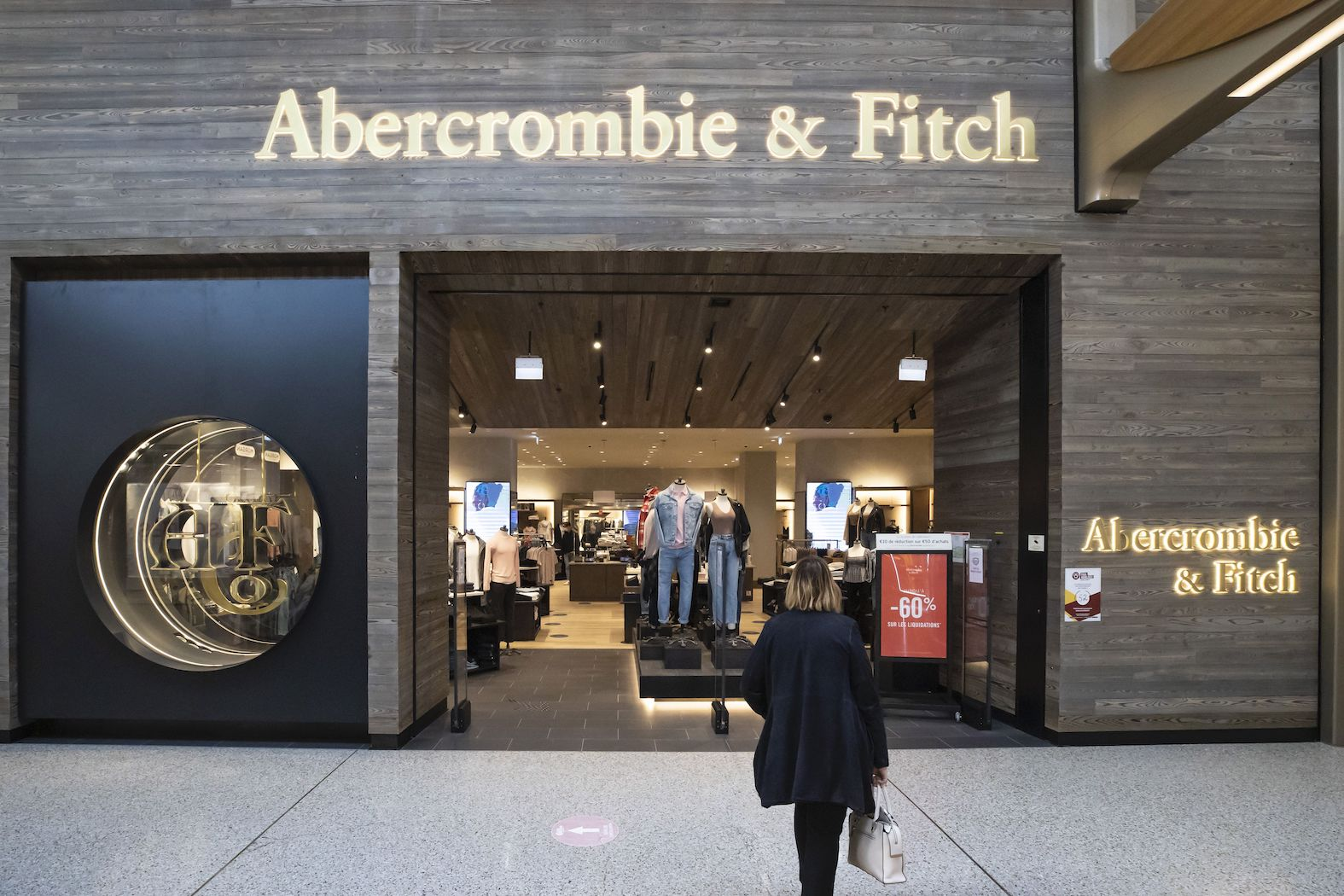 Abercrombie & Fitch has been able to absorb inflationary labor costs and supply chain pressures largely in part to its reduction in stores.