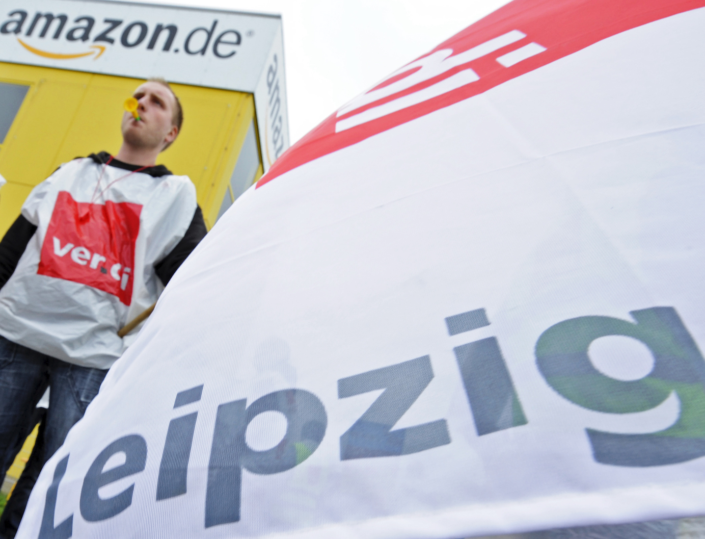 One of Germany's biggest trade unions, Verdi, called on workers at numerous Amazon warehouses across the country to go on strike on Monday, June 21. The strike will take place through the entirety of the shopping extravaganza, running through and all of Wednesday, June 23.